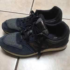 New balance shoes size 10 navy blue